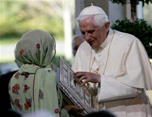 Bento XVI recebe o Corão