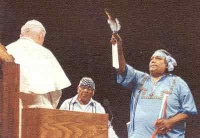 Shaman abençoa João Paulo 2