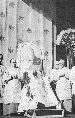Pio XII proclama o dogma da Assuncao