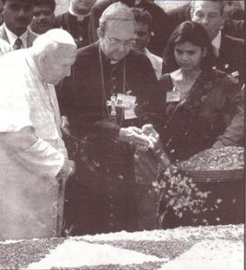 Flores ao túmulo de Ghandi