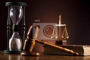 fotomural-tema-lei-malho-de-juiz-martelo-de-madeira-isoladas